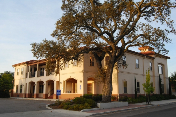 access_publishing_office_building_paso_robles_visitors_guide